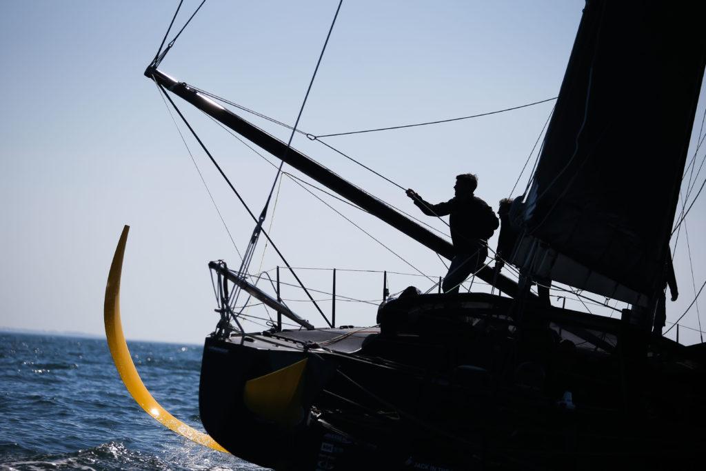 Sipa Press - Le skipper Armel Tripon sur l'Imoca L'Occitane en Provence s'entraîne avec son équipe technique en préparation du Vendée Globe 2020, en Baie de Quiberon le 27 mai 2020.
