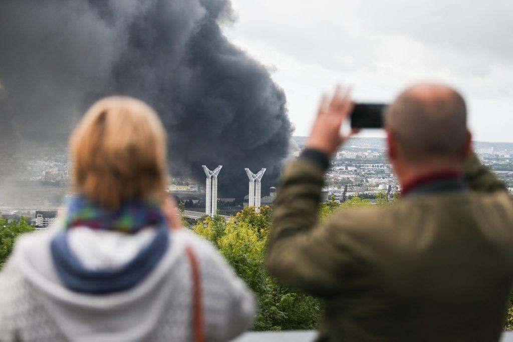 Sipa Press - Le 26 septembre 2019, un incendie se déclare à l'usine Lubrizol classée Seveso à Rouen.
